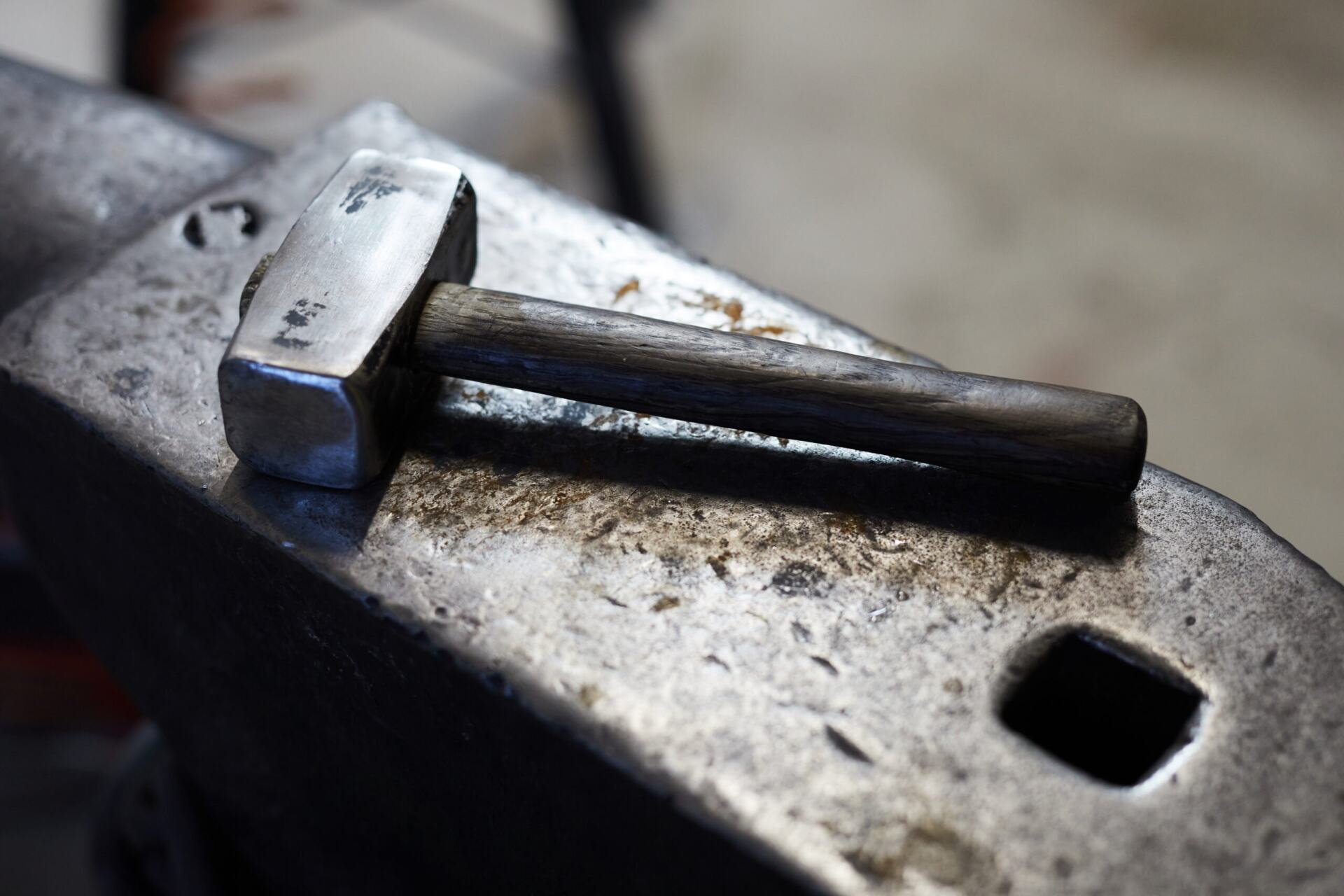 Read more about the article The Old Engineer and The Hammer